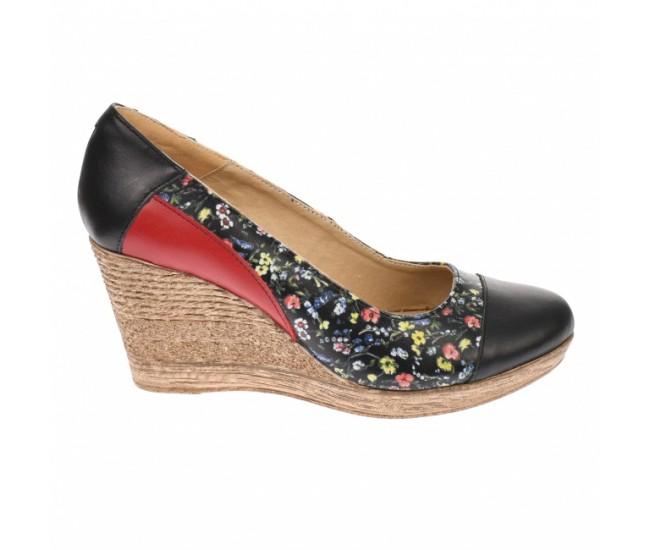 Pantofi dama, casual, din piele naturala, negri cu imprimeu floral,  platforme de 7 cm - MARA P3550NFLOR