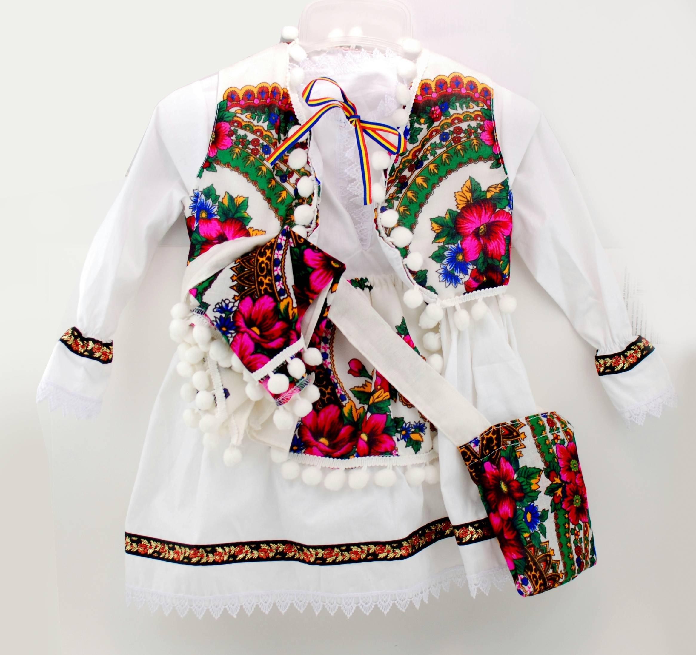 Costum popular - traditional pentru botez fetite 6-9 luni